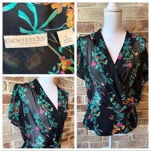 Eva Mendes Gorgeous floral top